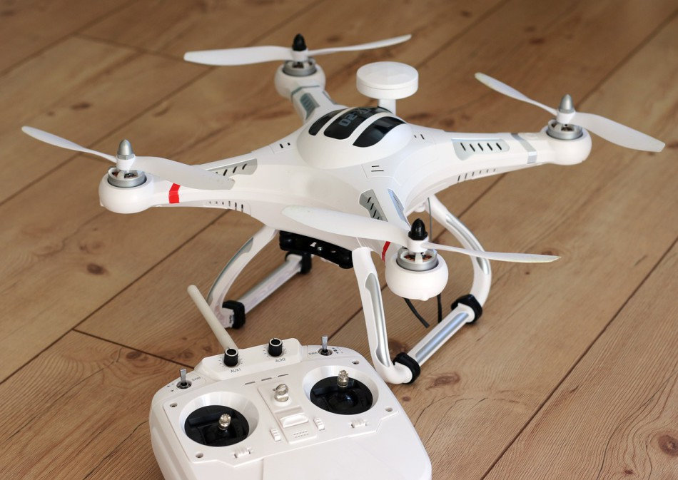 Funktionsweise der Steuerung von Drohnenmodellen